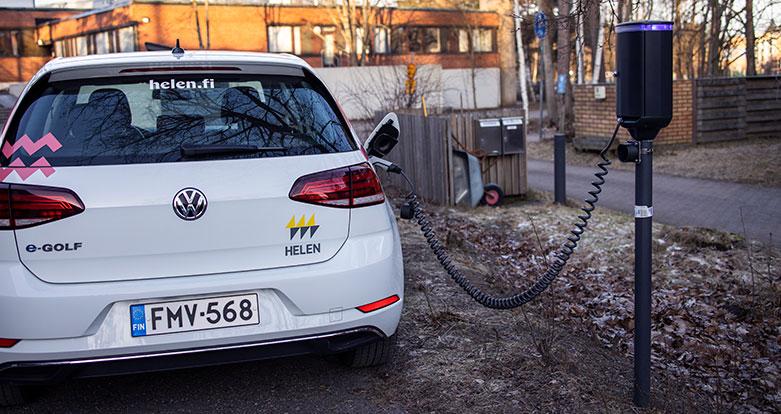 Sähköauton Latauspiste Omakotitaloon