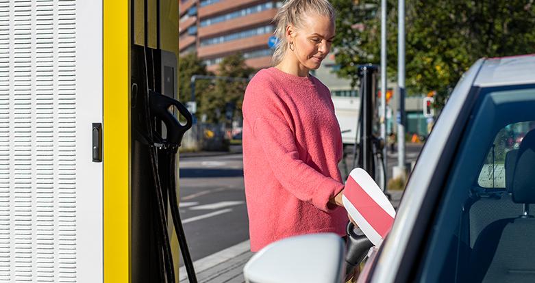 Sähköauton Lataus Taloyhtiössä